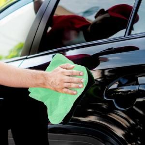 Lustrage, nettoyage, polissage de la voiture